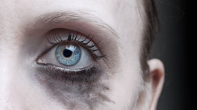 Ojo de la mujer con maquillaje corriente Imagen de archivo libre de regalías