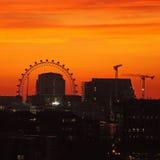 Ojo de Londres en la noche Foto de archivo