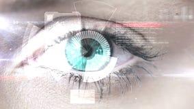 Ojo que explora un interfaz futurista almacen de metraje de vídeo