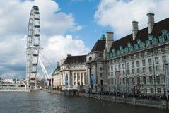 Ojo y County Hall de Londres Imagenes de archivo