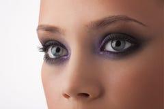 Ojos de la chica joven imagenes de archivo