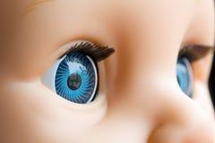 Ojos de la muñeca fotografía de archivo libre de regalías