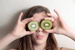 Ojos de los jóvenes de los kiwis Imagen de archivo