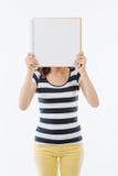 Okänd kvinna som försöker att meddela Royaltyfri Foto
