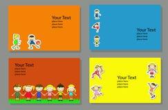 Okładkowy projekta szablon z szczęśliwym, aktywnych dzieciaki royalty ilustracja