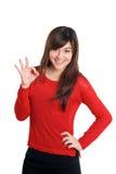 OK ręka znaka kobieta w czerwieni Zdjęcia Royalty Free