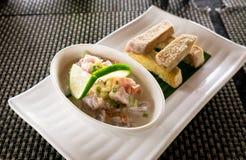 Oka - als kokoda, por, ceviche, of poisson cru wordt bekend - is Polyne die stock foto's