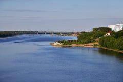 Oka RiverIn det Kolomna området, Ryssland Arkivfoton