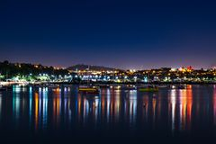 Okahu-Bucht nachts Auckland, Neuseeland stockfotografie