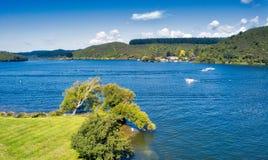 Okawa海湾,湖Rotiti 免版税库存图片
