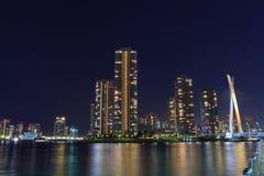 Okawabata Rivercity 21 w Tokio przy nocą Obraz Royalty Free