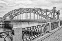 okhtinsky petersburg russia för bro saint bolsheokhtinsky bro Arkivfoton