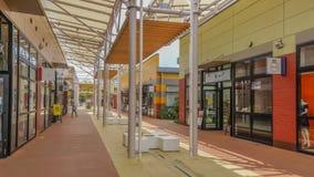 OKINAWA JAPONIA, Kwiecień, - 22, 2017: Ashibina ujścia centrum handlowe w Okina Zdjęcie Stock