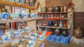 OKINAWA JAPONIA, Kwiecień, - 20, 2017: Pamiątkarski sklep przy Okinawa światem Obrazy Stock