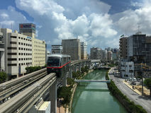 Okinawa Monorail: Yui Rail (manhã) foto de stock royalty free