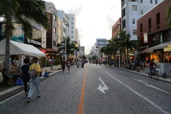 OKINAWA - 8. OKTOBER: Internationale Straße in Okinawa, Japan am 8. Oktober 2016 Lizenzfreie Stockbilder