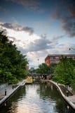 Oklahoma City bei Sonnenuntergang lizenzfreie stockfotos