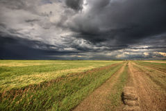 oklarheter över den saskatchewan stormen arkivfoto