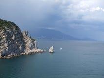 oklarheter över havsstorm yalta crimea Arkivfoto