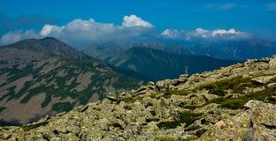 Oklarheter av det höga berg Arkivfoto