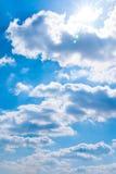 Oklarheter i skyen royaltyfria foton
