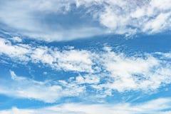 Oklarhets- och skybakgrund Arkivbilder