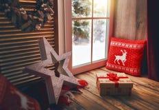 Okno dekorujący dla wakacji Obraz Royalty Free