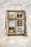 Okno na biel ścianie Obrazy Royalty Free