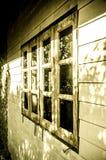 Okno na starym domu Obraz Royalty Free