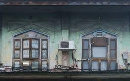 Okno przy antycznym budynkiem Zdjęcie Royalty Free