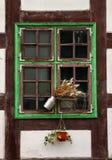 Okno średniowieczny dom. Zdjęcie Royalty Free