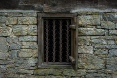 Okno stary dom wiejski i obraz stock