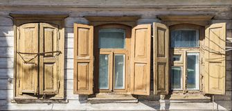 Okno stary drewniany dom Obrazy Stock