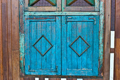 Okno stary drewniany dom Obrazy Royalty Free