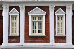 Okno w geometrycznym i symetrycznym układzie Obrazy Royalty Free
