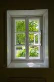Okno z widokiem na ogródzie Zdjęcia Stock
