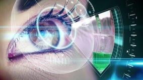 Oko patrzeje futurystycznego interfejs pokazuje laboratorium klamerki zdjęcie wideo