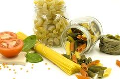 Okokt pasta, spagetti, tomat, kryddor Royaltyfri Foto