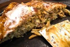 Okonomiyaki日本热板薄饼 免版税库存照片