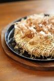 Okonomiyaki, ιαπωνική πίτσα στοκ εικόνες