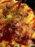 Okonomiyaki giapponese dell'alimento, pizza giapponese Immagine Stock