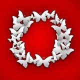 Okrąża białego motyla papier na czerwonym pastelowym tle obrazy royalty free