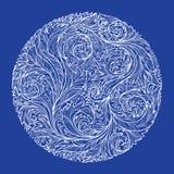 Okrąg z białym koronkowym mroźnym wzorem na błękitnym tle royalty ilustracja