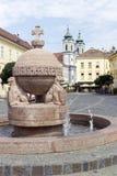 Okręgu i krzyża statua w Szekesfehervar, Węgry Zdjęcie Stock