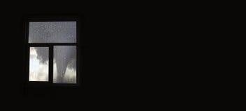 Okropny tornado nad mokrym szkłem Obrazy Royalty Free
