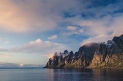 Okshornan, klaxons de Taureau s'étendent dans Senja, Norvège Images libres de droits