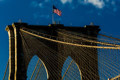 24. Oktober 2016 - BROOKLYN, NEW YORK - Brooklyn-Brücke und gesehen an der magischen Stunde, Sonnenuntergang, NY NY Stockbilder