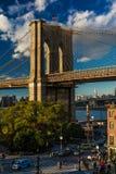 24. Oktober 2016 - BROOKLYN, NEW YORK - Brooklyn-Brücke und gesehen an der magischen Stunde, Sonnenuntergang, NY NY Lizenzfreie Stockbilder