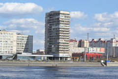 Oktober-Damm in St Petersburg Lizenzfreie Stockbilder