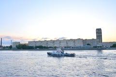 Oktober-Damm vor Dämmerung Lizenzfreies Stockfoto